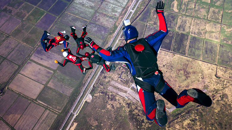 how_indoor_skydiving_wors_2
